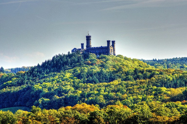 Schloss_Schaumburg_in_der_Nähe_von_Limburg_an_der_Lahn_(8621867592)