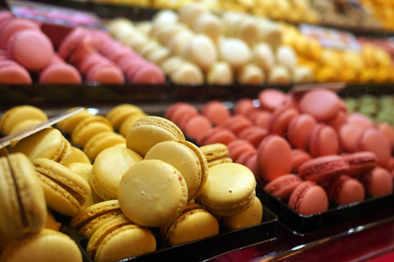 Fresh french macaron display