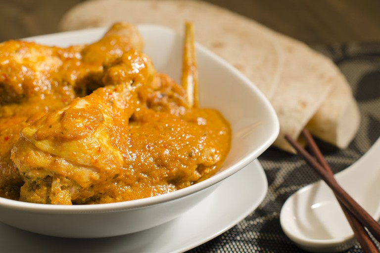 Kari Kapitan, Malaysian spicy chicken curry with coconut milk served with roti