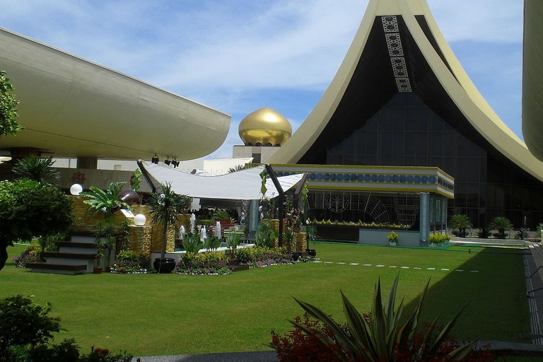 must visit attractions in brunei