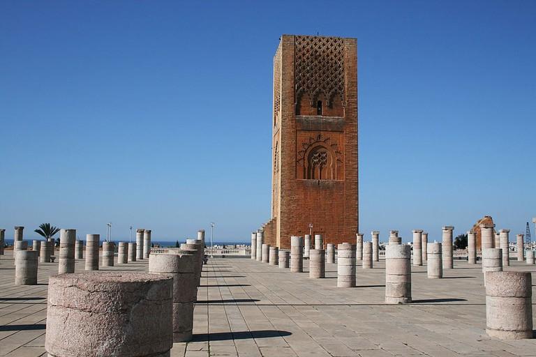 1024px-Rabat_Tour_Hassan