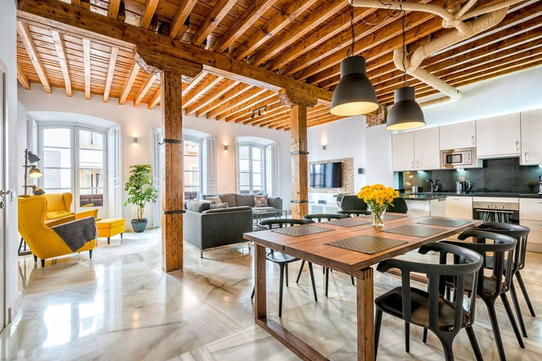 Solaga - Holly: Amazing 3-bedroom loft Holly in the heart of Malaga