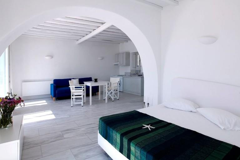 Guest room in Hotel Olia in Mykonos