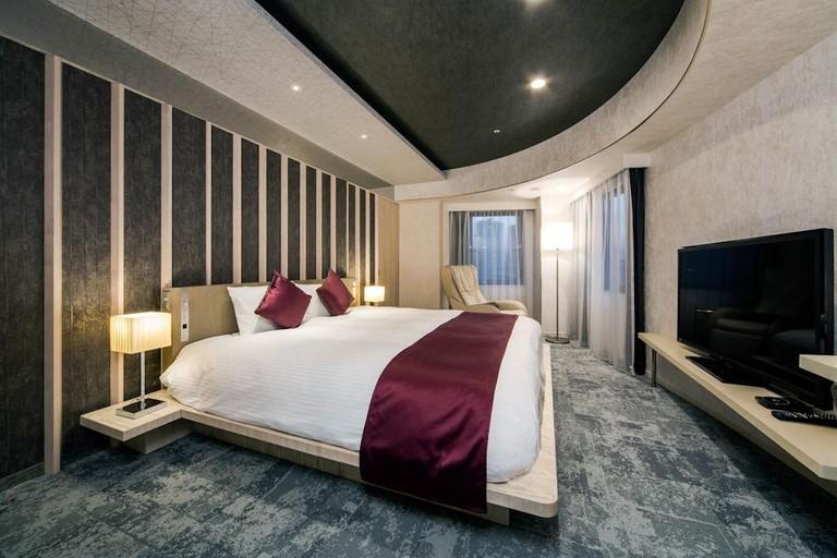 Guest room at Daiwa Roynet Hotel Ginza