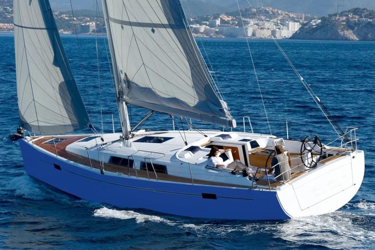 Spacious & luxurious brand new HANSE 385 sailing yacht