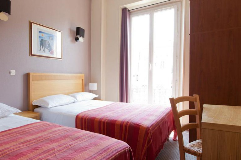 Simple rooms come at a reasonable price at Hôtel d'Ostende