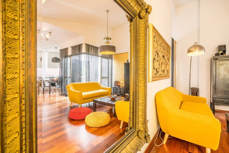 Airbnb - In the main square of the city cent. 3 double bedr, Malaga