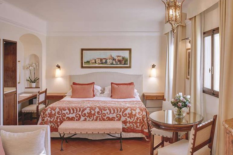 Guest room at Belmond Villa San Michele