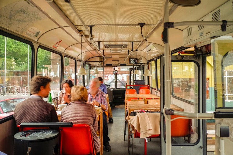 Café Pförtner bus seating | © Café Pförtner : Courtesy of Café Pförtner