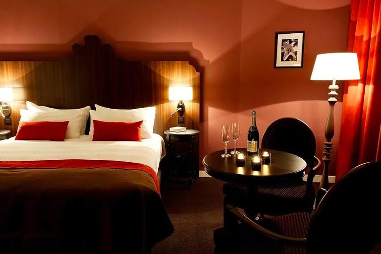corona hotel the hague