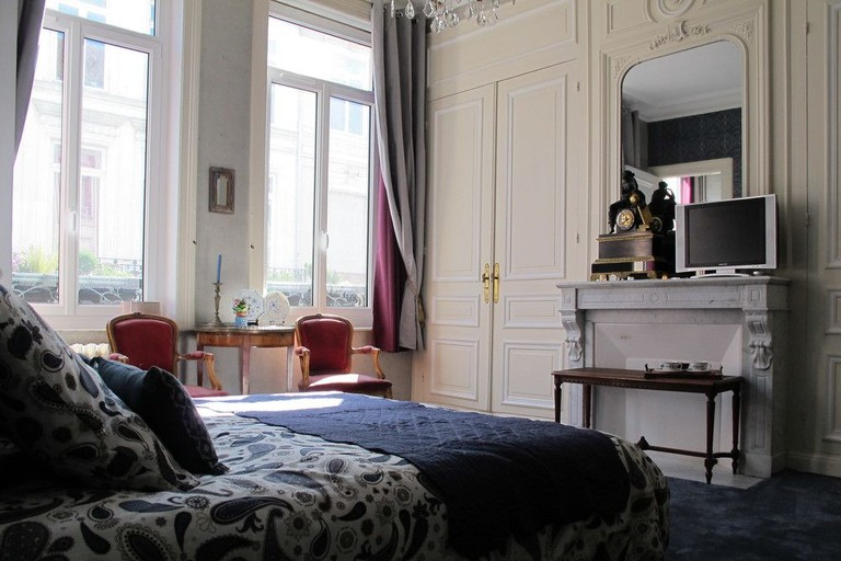 Guestroom at La Bourgogne en Ville