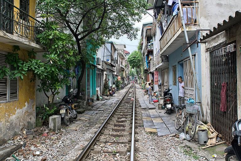 hanoi_railroad_tracks