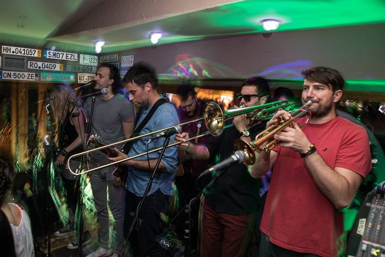 The schedule at Kruška Pab is packed with live music