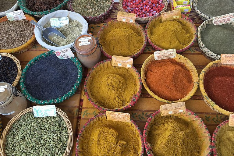 Spices at Lourmarin market | © Subost / WikiCommons