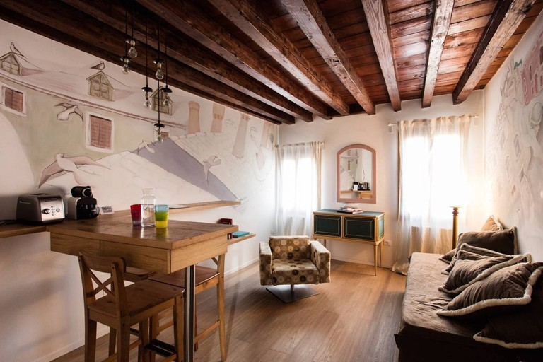 The 7 Best Airbnbs In Venice Italy