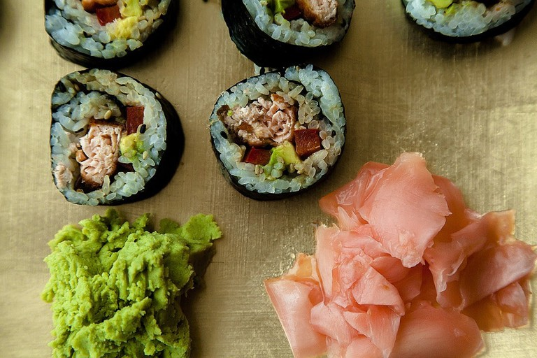 https://pixabay.com/en/sushi-seafood-restaurant-866194/