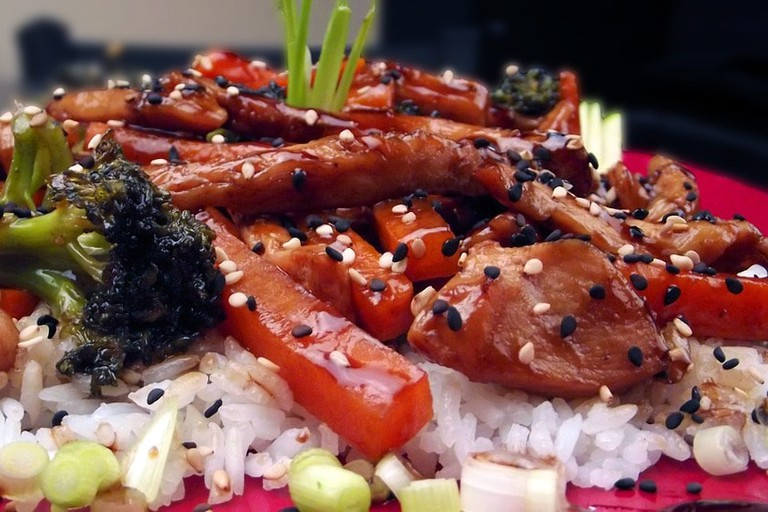 https://pixabay.com/en/teriyaki-chicken-dinner-food-plate-246826/