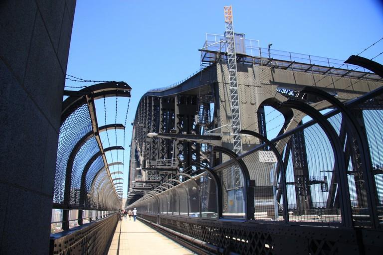 Sydney Harbour Bridge walkway © russellstreet / Flickr