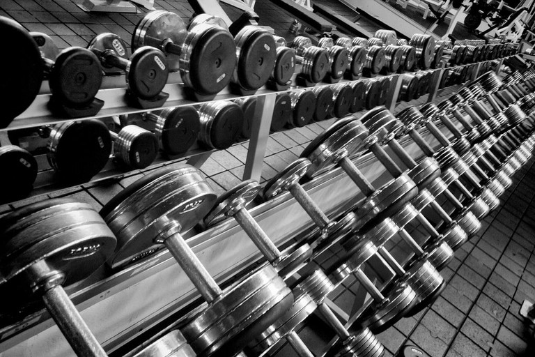 Weights © Gabriel Porras / Flickr