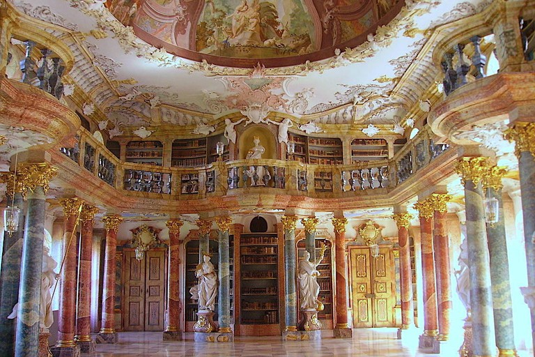 1024px-Ulm_Kloster_Wiblingen_Bibliothek_3