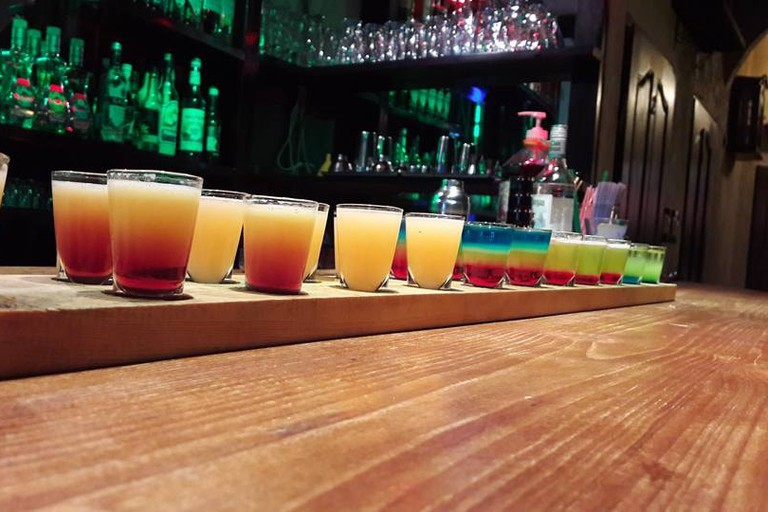 Coloured vodka shots | © Highlander Shot Bar