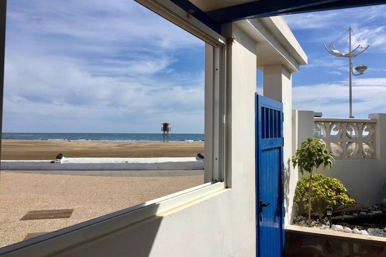 Oceanfront home, centrally located, Lanzarote