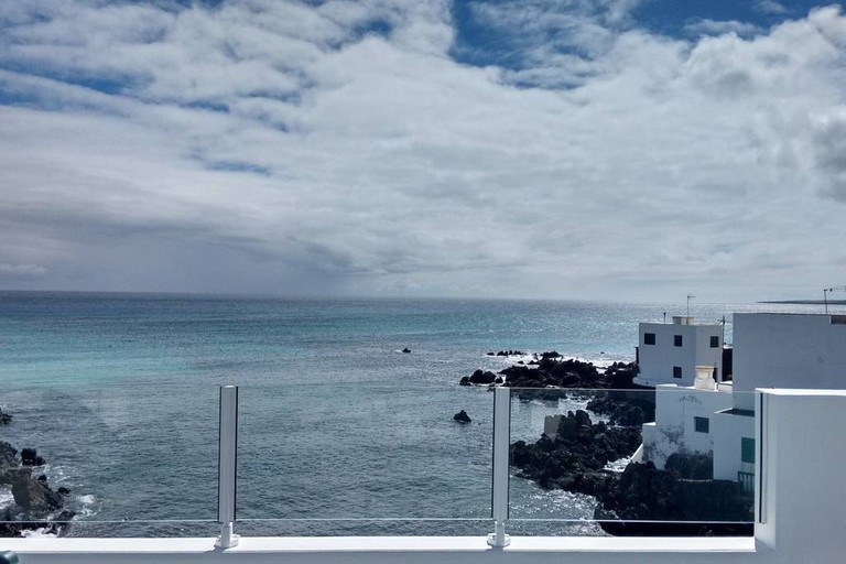 Airbnb - Cozy apartment by the sea, Lanzarote