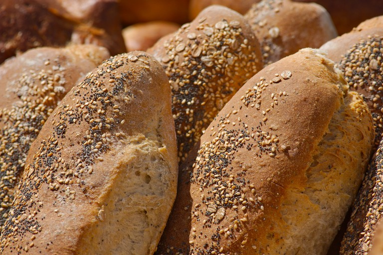 Freshly baked bread © Frédéric Bisson / Flickr