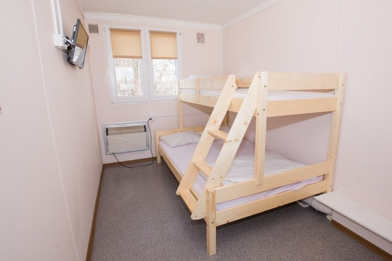 Simple and Cheap Rooms at Hotel Pracowniczy Metro   © Hotel Pracowniczy Metro