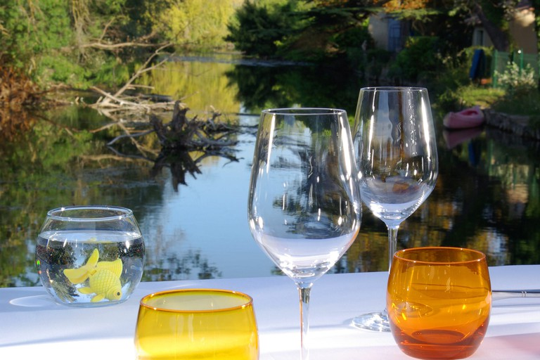 A waterside table at Le Vivier |© Courtesy of Le Vivier