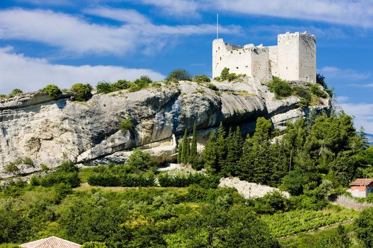 Ruins of a castle, Vaison-la-Romaine, Provence, France |© PHB.cz (Richard Semik) / Shutterstock