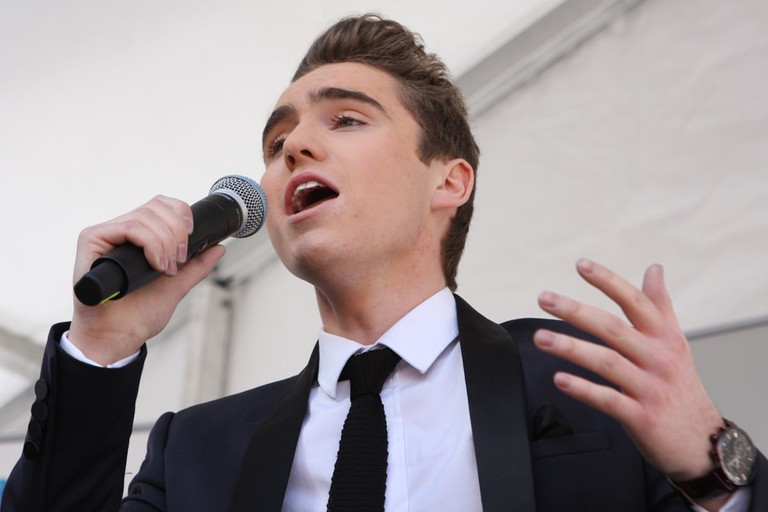 Singer Harrison Craig performs in Chatswood © Eva Rinaldi / Flickr