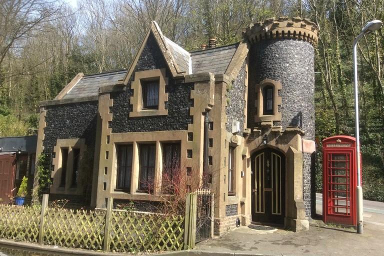 the-gatehouse-fairytale-gothic-3