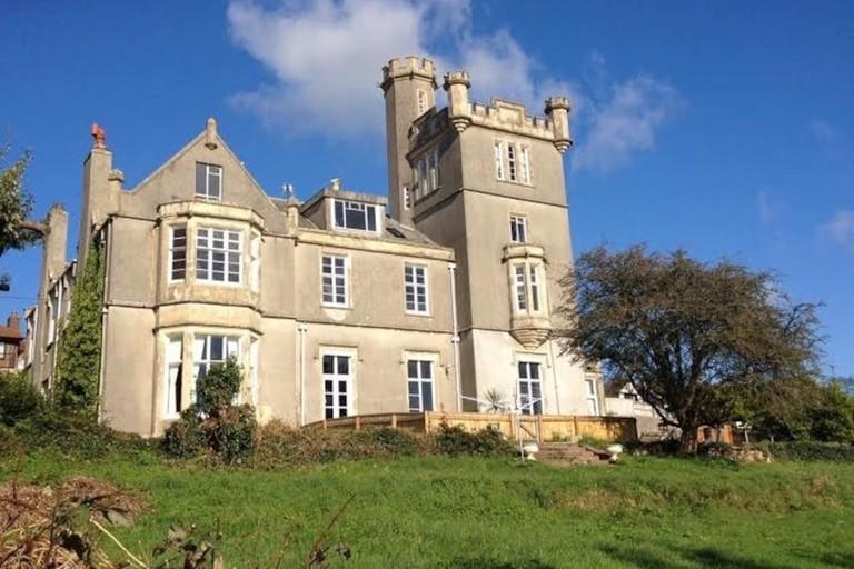 victorian-gothic-castle-2-1-1024x767