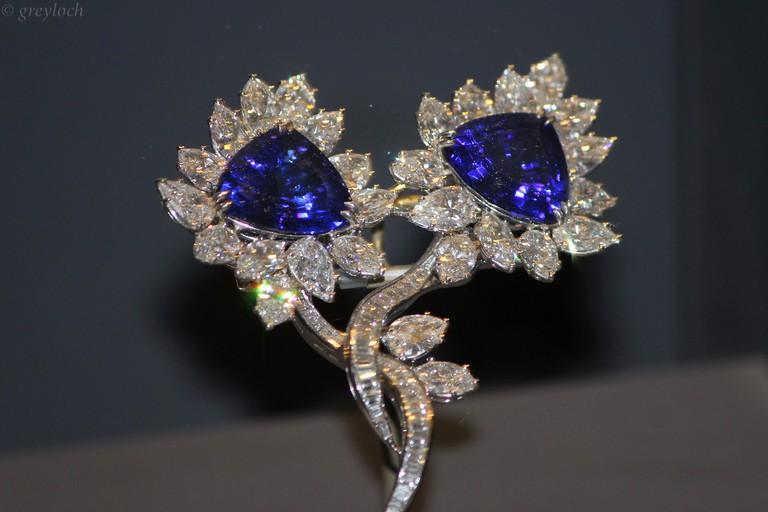 Tanzanite and diamond brooch