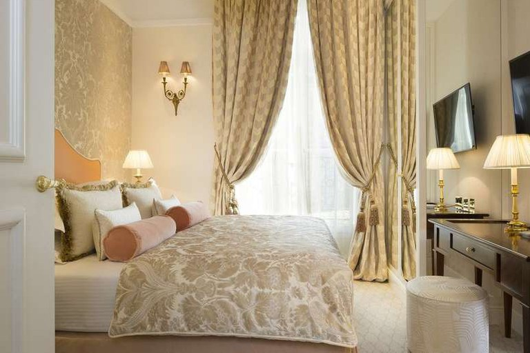 The Relais Christine is close to many of Paris's best attractions