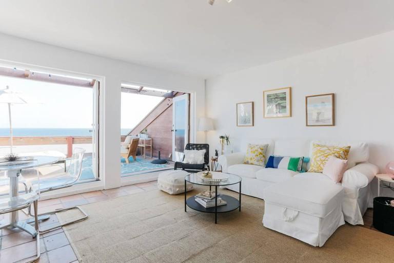 Malibu Loft-Style Apartment