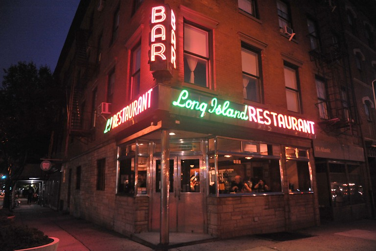 Long Island Bar and Restaurant, Brooklyn, New York, USA