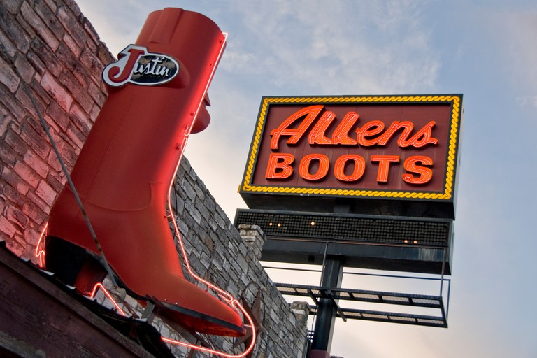 South Congress Avenue (SoCo) landmark, Allens Boots. Austin, Texas, USA.