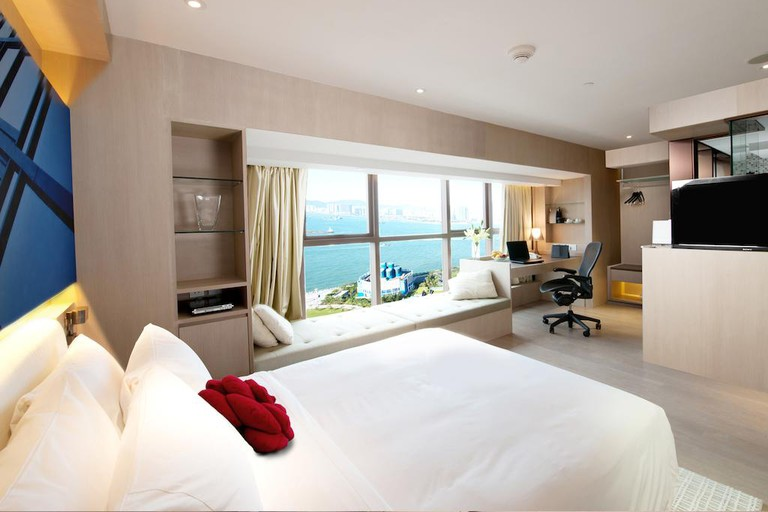 Butterfly on Waterfront offers complimentary pocket Wi-Fi devices and smartphones with select rooms