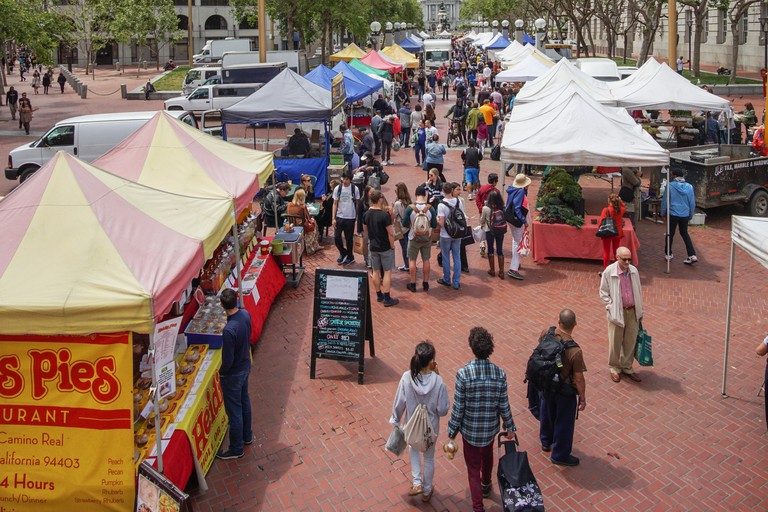 Heart of the City Farmers' takes place on San Francisco's United Nations Plaza