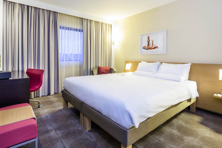 The Novotel London Paddington offers spacious rooms at budget prices