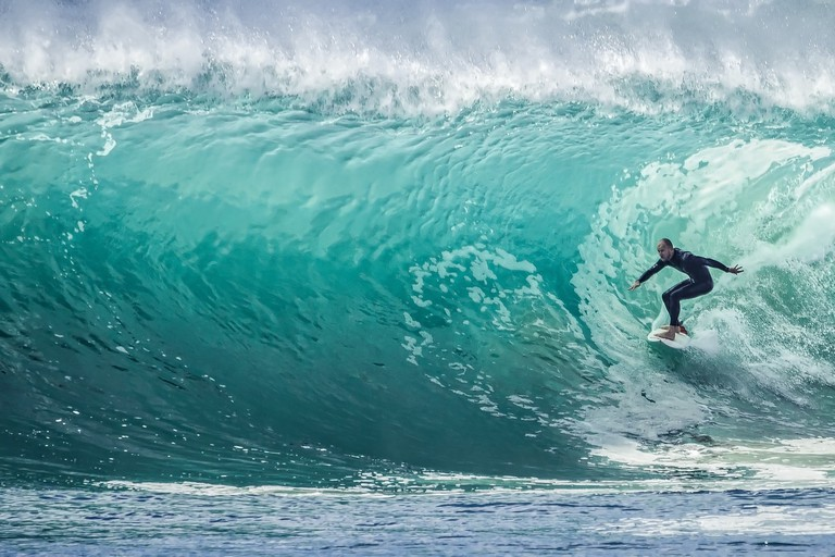 wave-1246560_1920