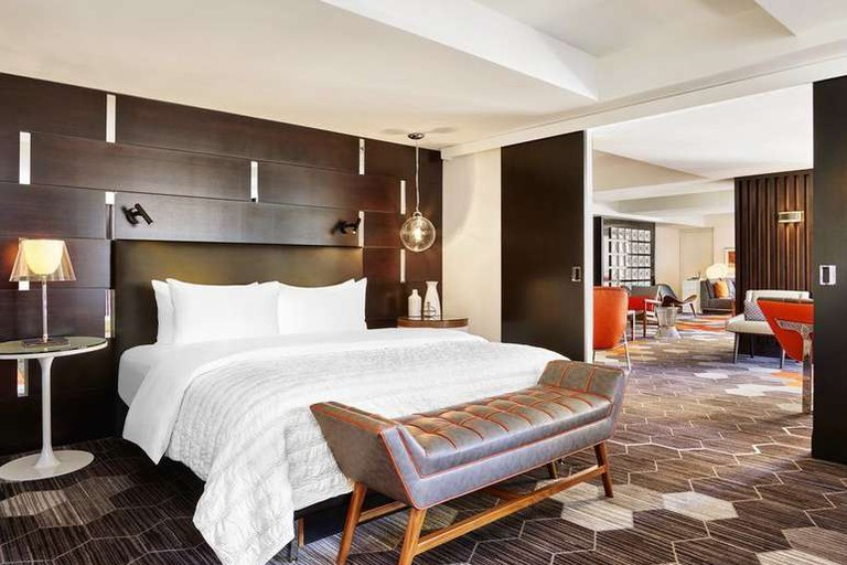 The rooms at Le Méridien San Francisco feature luxurious furnishings