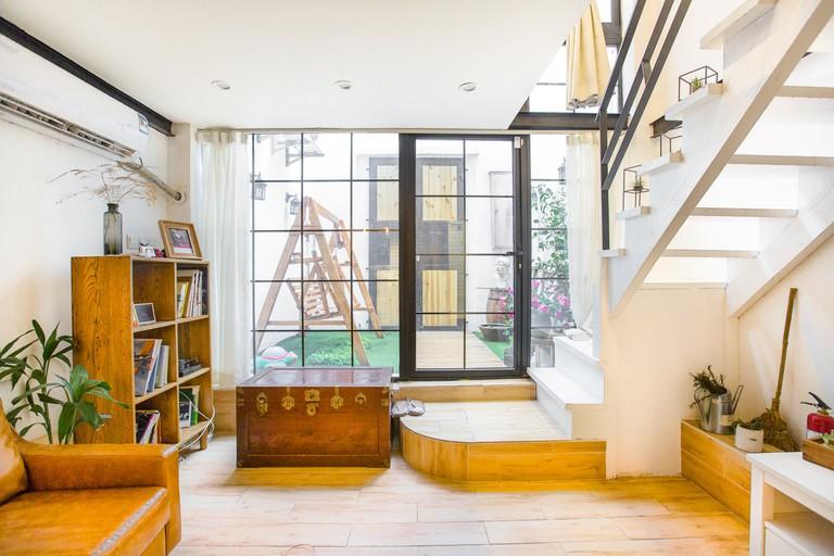 Shikumen loft-style suite