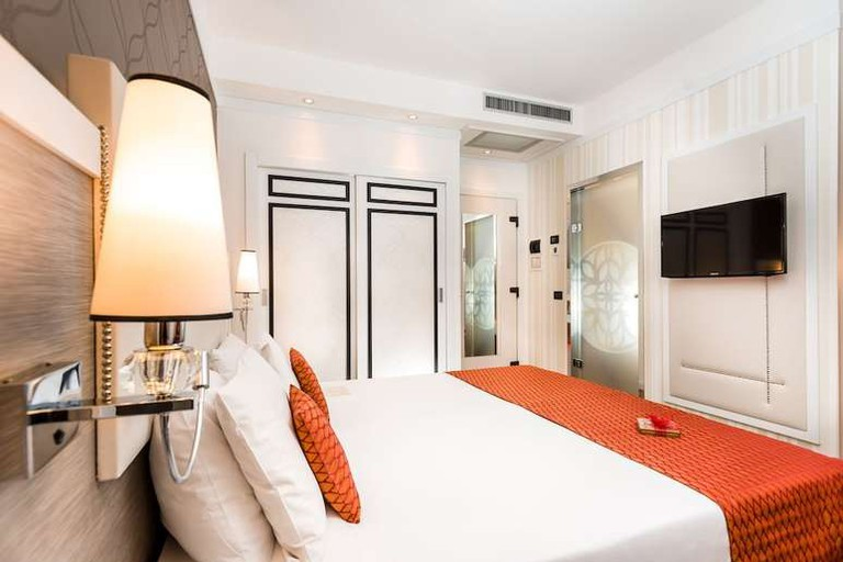 Double room at Hotel Parlament