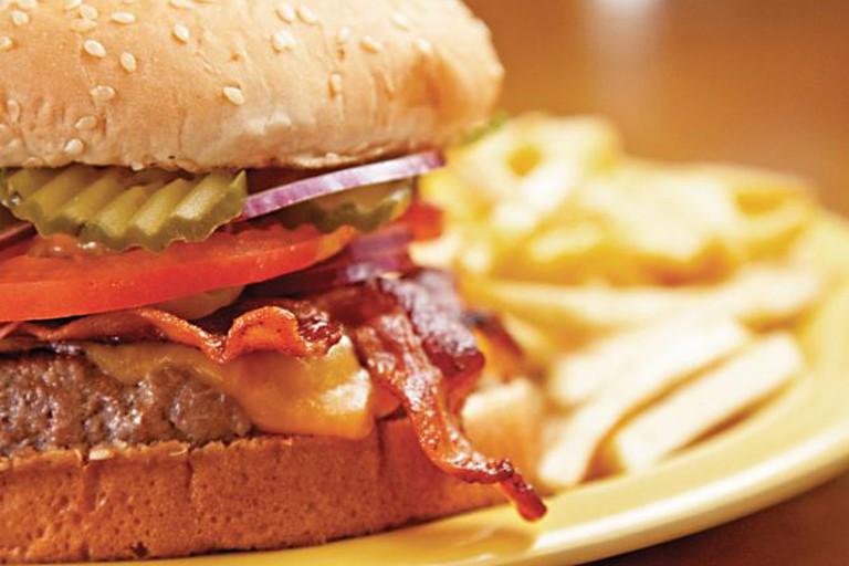 56-3623400-burger-boo
