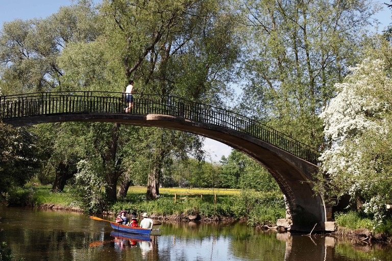 Bridge over [River Cherwell] in summer, [University Parks], Oxford, England, UK
