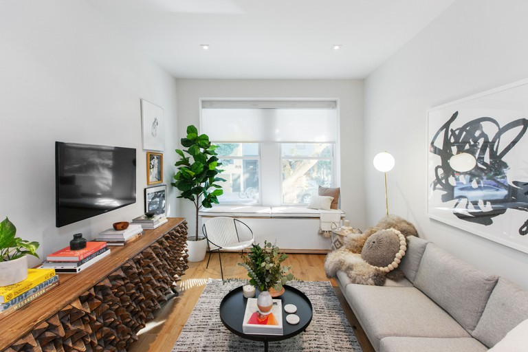 Relax in a beautiful, bright room in this chic and calm condo in the vibrant Mission District