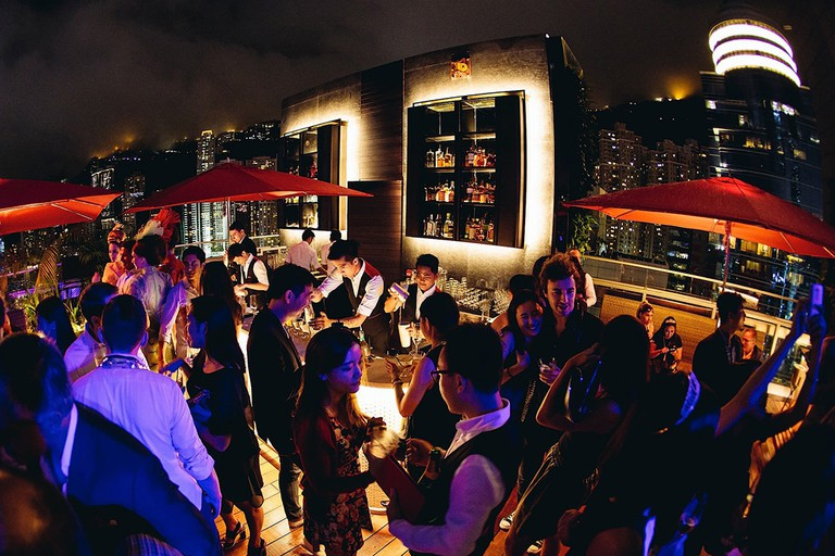CÉ LA VI is the place to go to experience the high life in this skyscraper city